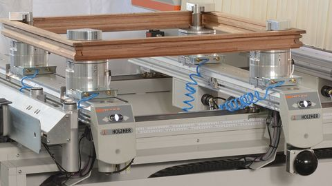 Highly flexible machining tables